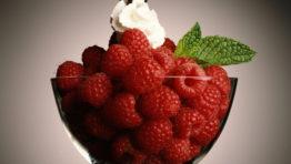 Berry 1 Wallpaper